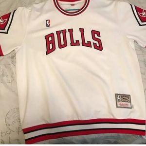 Chicago Bulls Mitchell & Ness shooting jersey